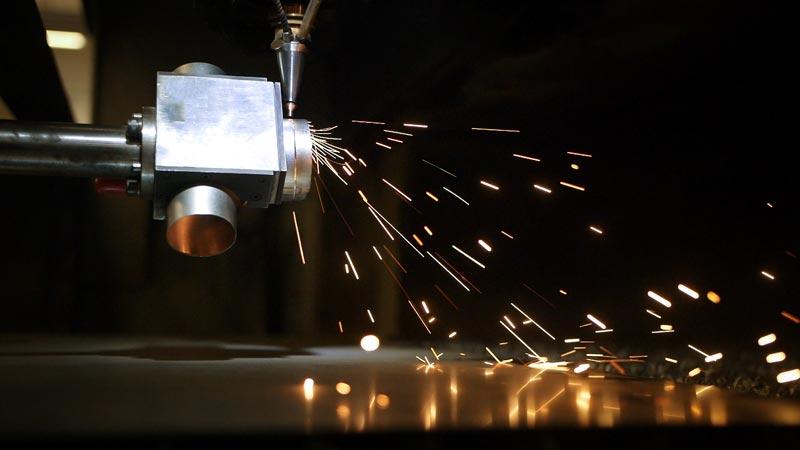 découpage laser 5 axes laser de pièces métalliques