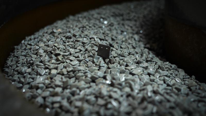 Entreprise Tribofinition de pièces en métal